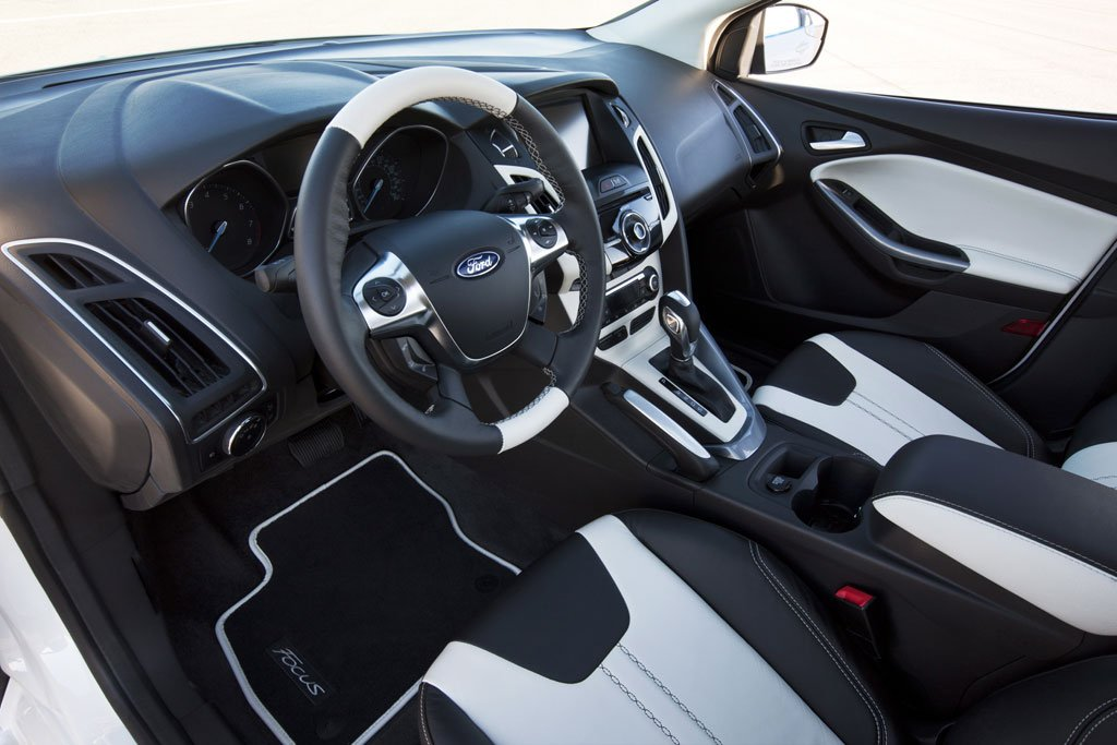 http://autotun16.ru/images/upload/2012_Ford_Focus_Special_Edition_11.jpg