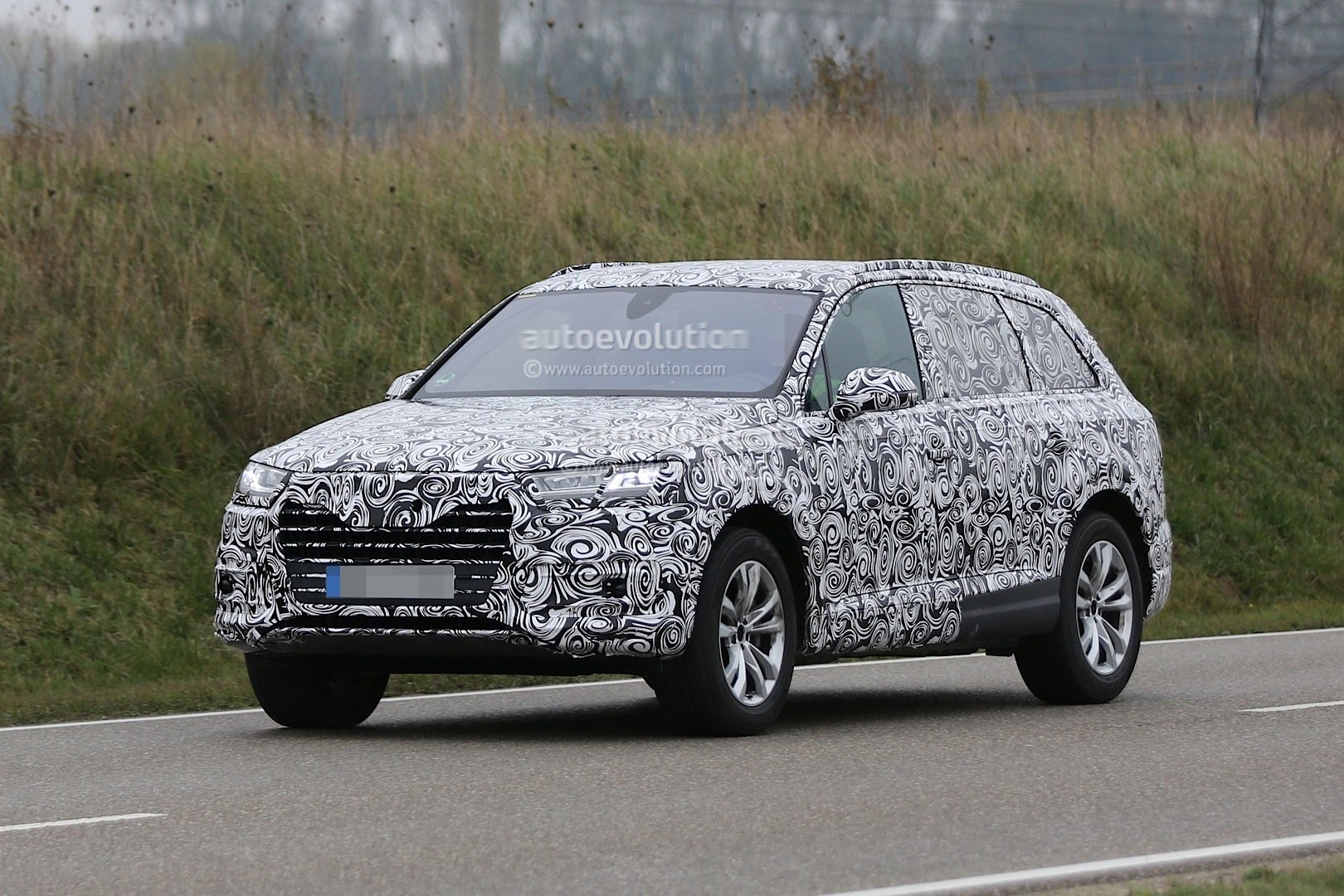 http://autotun16.ru/images/upload/2016-audi-q7-spied-with-matrix-led-headlights-for-first-time_2.jpg